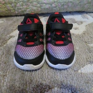 Toddler boy Reebok Shoes size 5 Red and Black